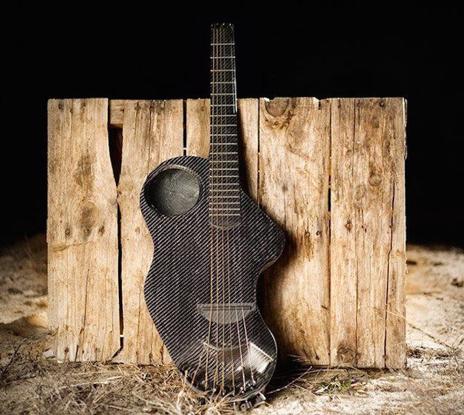 Alpaca-Carbon-Fiber-Travel-Guitar